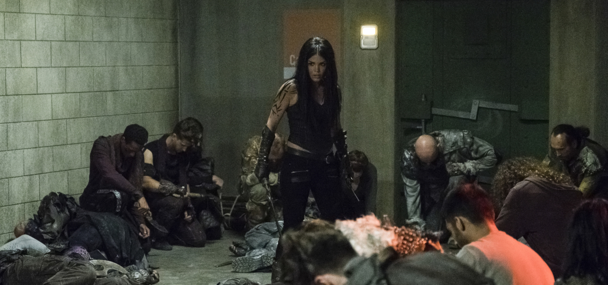 previewing the 100 5x02 red queen what happens in the