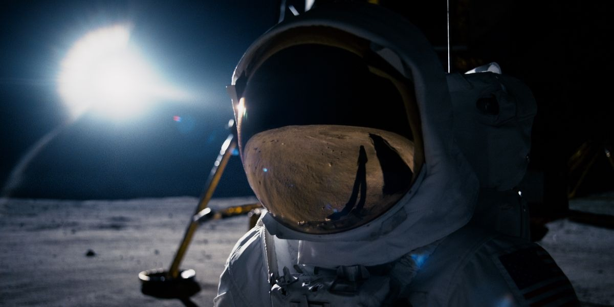 'First Man' review: Technically proficient, emotionally impenetrable