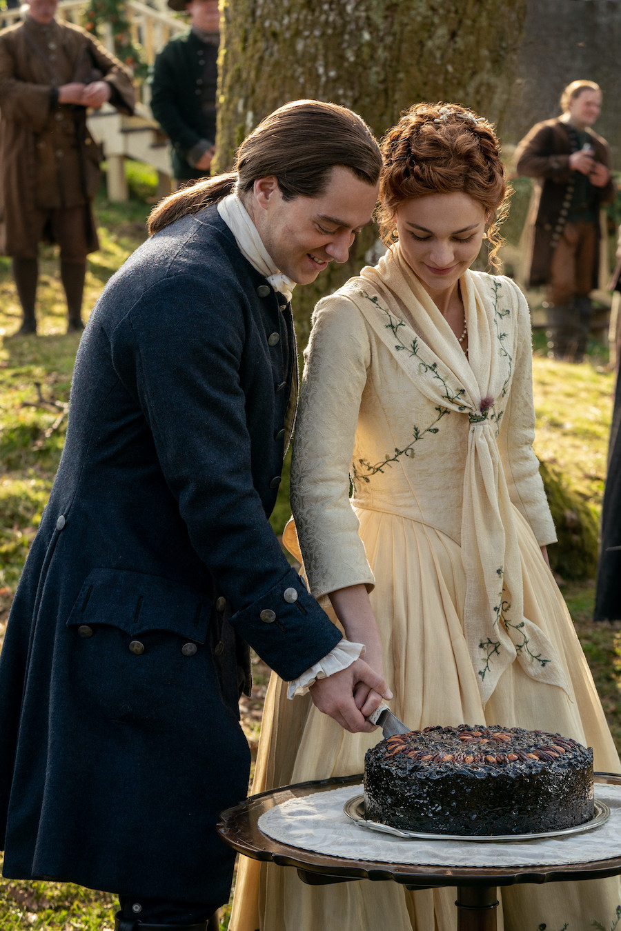 Outlander Season 5 Episode 1 Review Droughtlander Is Over Hypable